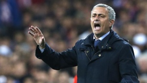 Jose Mourinho shouts to his players during their Spanish King's Cup final soccer match against Atletico de Madrid at Santiago Bernabeu stadium in Madrid May 17, 2013. REUTERS/Juan Medina