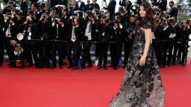"Indian actress Aishwarya Rai poses on the red carpet as she arrives for the screening of the film ""Inside Llewyn Davis""; in competition during the 66th Cannes Film Festival in Cannes May 19, 2013.               REUTERS/Eric Gaillard (FRANCE  - Tags: ENTERTAINMENT)"