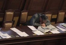 Czech Republic's Foreign Minister and chairman of the TOP09 Party Karel Schwarzenberg naps during a parliament session in Prague June 18, 2013. REUTERS/David W Cerny