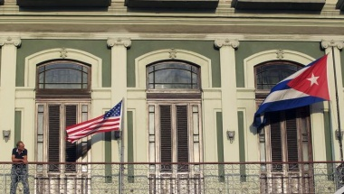 Castro and Obama meet