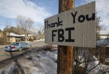 A sign thanking the FBI hangs in Burns, Oregon February 11, 2016. REUTERS/Jim Urquhart