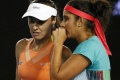Hingis and Mirza lose chance to complete 'Santina Slam'