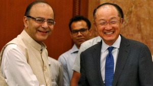 World Bank President Jim Yong Kim shakes hands with India's Finance Minister Arun Jaitley (L) before their meeting in New Delhi, India, June 30, 2016. REUTERS/Adnan Abidi