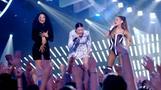 Minaj, Grande, Maroon 5 rock out VMAs