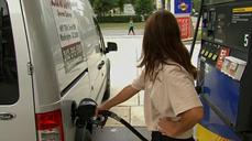 Look for oil prices to bottom in early 2015 - Economist