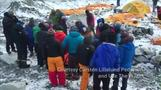 Cell phone video shows Nepal quake survivors rescued from Everest