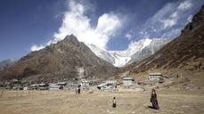 Nepal's trekking paradise turns nightmare