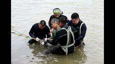 "China to give ""100 percent"" in rescuing boat victims"