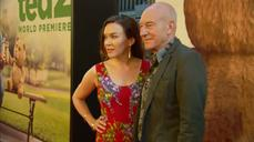Patrick Stewart gives masterclass in red carpet interviews