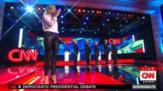 Sheryl Crow kicks off debate with national anthem