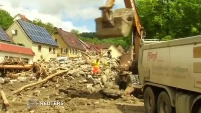 ドイツ南西部で洪水、13歳少女ら3人死亡(字幕・30日)