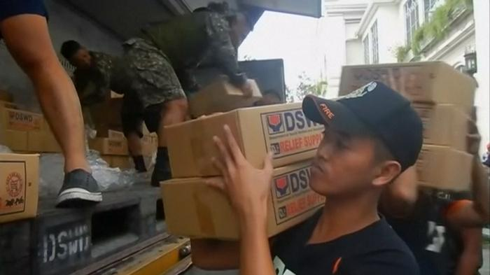 Typhoon aid arrives in northern Philippines