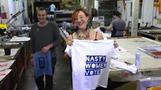 米大統領選終盤、「嫌な女」Tシャツ各地に登場(28日)