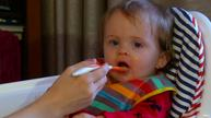 Feed peanut products to babies to cut allergy risk, doctors say