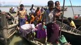 Bangladeshi fishermen rescuing Rohingya for a price