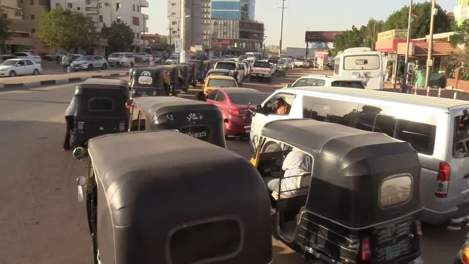 Fuel crisis pumps pressure on Sudan's transitional government
