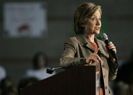 Presidential candidate Sen. Hillary Clinton (D-NY) speaks during a campaign stop at a high school in Las Vegas, Nevada February 21, 2007. REUTERS/Las Vegas Sun/R. Marsh Starks