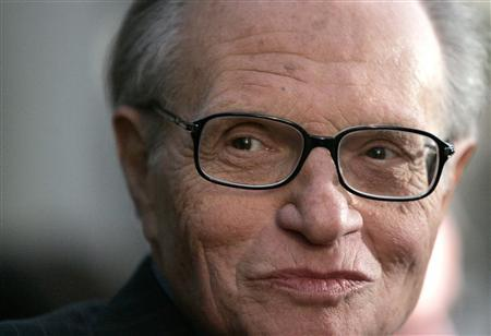 Talk show host Larry King is pictured at a party in Beverly Hills in this October 6, 2005 file photo. King had surgery on Friday to clear an artery blockage but plans to return to work on Monday to interview U.S. presidential candidate Barack Obama, the network said. REUTERS/Mario Anzuoni/Files
