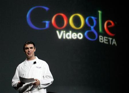 Larry Page, co-founder of Google Inc., delivers a keynote speech at the Consumer Electronics Show in Las Vegas, Nevada, in this January 6, 2006 file photo. Google, which generates billions of dollars from online advertising, is racing to bring consumer services like search to the phone. REUTERS/Steve Marcus