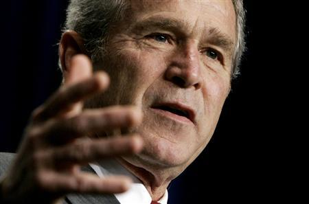 U.S. President George W. Bush delivers remarks to the Associated Builders and Contractors in Washington June 14, 2007. Bush blasted Democrats on Saturday for bloated annual federal spending bills and threatened to use his veto liberally, despite failing to carry out similar threats in the past. REUTERS/Jim Young