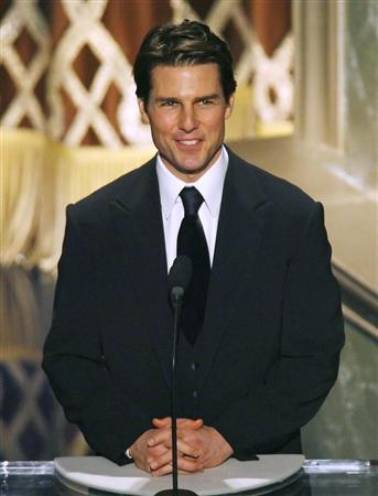 Tom Cruise presents the Hersholt Humanitarian Award at the 79th Annual Academy Awards in Hollywood, California, February 25, 2007. Germany has barred the makers of a movie about a plot to kill Adolf Hitler from filming at German military sites because Cruise is a Scientologist, the Defence Ministry said on Monday. REUTERS/Gary Hershorn
