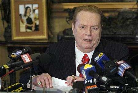Larry Flynt speaks to the media during a news conference in Beverly Hills, July 11, 2007. Flynt is the subject of a new documentary, ''Larry Flynt: The Right to Be Left Alone,'' which screens next Tuesday at the ArcLight Hollywood as part of the International Documentary Assn.'s DocuWeek (August 17-23). REUTERS/Gus Ruelas