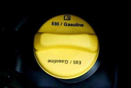 The gas cap of a Chevrolet Tahoe SUV that runs on E85 ethanol is pictured in Sacramento, California ,January 18, 2007. The U.S. ethanol rush could drain drinking water supplies in parts of the country because corn -- a key source of the country's alternative fuel -- requires vast quantities of water for irrigation, the National Research Council reported on Wednesday. REUTERS/Max Whittaker