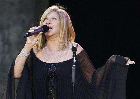 U.S. entertainer Barbra Streisand performs on the stage in Berlin in this file photo from June 30, 2007. REUTERS/Tobias Schwarz