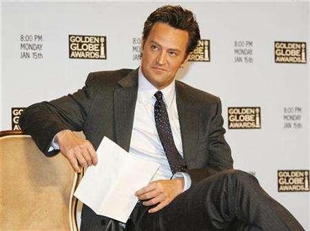 Matthew Perry waits during a news conference in Beverly Hills, California, December 14, 2006. REUTERS/Fred Prouser
