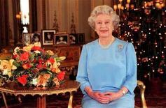<p>La Regina Elisabetta durante il discorso che rivolge ogni anno alla nazione, in un'immagine di archivio.</p>