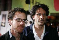 "<p>Ethan (a sinistra) e Joel Coen alla prima del loro film ""No Country For Old Men"" a Hollywood. REUTERS/Max Morse (UNITED STATES)</p>"