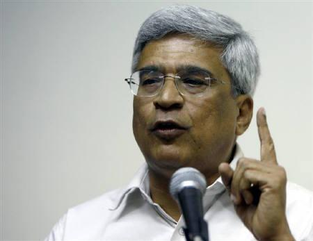Prakash Karat, general-secretary of the Communist Party of India (Marxist) (CPI-M), is seen in New Delhi in this September 13, 2007 file photo. REUTERS/Vijay Mathur