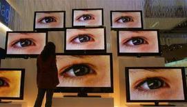 <p>Schermi piatti, possibile accordo Lcd tra Matsushita e Hitachi. REUTERS/Hannibal Hanschke</p>