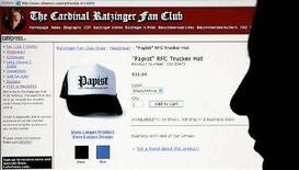 "<p>Il sito web del ""Cardinal Ratzinger Fan Club"". REUTERS/Alessandro Bianchi</p>"