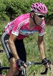 <p>Eddy Mazzoleni durante una gara. REUTERS/Eric Gaillard (FRANCE)</p>
