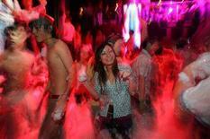 <p>Immagine d'archivio di una discoteca. La foto non ha relazione diretta con l'articolo ed è a mero scopo illustrativo della storia. REUTERS/Aly Song (CHINA)</p>