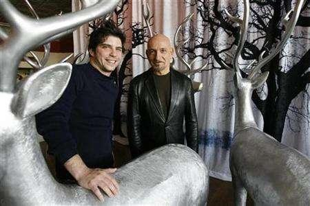 Cast member Ben Kingsley (R) and director Jonathan Levine of the movie ''The Wackness'' pose during the 2008 Sundance Film Festival in Park City, Utah January 19, 2008. REUTERS/Mario Anzuoni