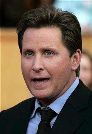 Emilio Estevez, director of the film ''Bobby'', arrives at the 13th Annual Screen Actors Guild Awards in Los Angeles January 28, 2007. REUTERS/Lucy Nicholson