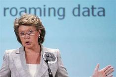 <p>Il commissario Ue per le comunicazioni Viviane Reding durante una conferenza sul roaming. REUTERS/Francois Lenoir (BELGIUM)</p>