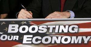 <p>Президент США Джордж Буш подписывает закон о финансовых стимулах в Белом доме в Вашингтоне 13 февраля 2008 года. Президент США Джордж Буш в среду подписал закон о финансовых стимулах, который предоставит налогоплательщикам льготы в размере $152 миллиарда. (REUTERS/Kevin Lamarque)</p>