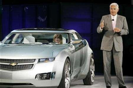 General Motors Vice Chairman Bob Lutz introduces the Chevrolet VOLT concept vehicle at the 2007 North American International Auto Show in Detroit, Michigan, January 7, 2007. REUTERS/Gary Cameron