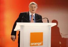 <p>France Télécom dément tout projet de nouvelles suppressions d'emplois cette année comme l'écrit cette semaine la Lettre de l'Expansion. /Photo prise le 6 février 2008/REUTERS/Benoît Tessier</p>