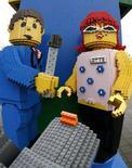<p>Una scultura realizzata con mattoncini Lego REUTERS/Bob Strong</p>
