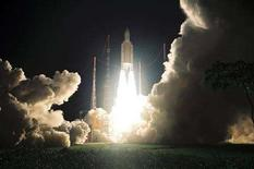 <p>Immagine d'archivio del lancio di un razzo Ariane 5 dalla Guiana francese. REUTERS/ESA/ARIANESPACE/Handout (FRANCE). EDITORIAL USE ONLY. NOT FOR SALE FOR MARKETING OR ADVERTISING CAMPAIGNS.</p>