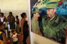 <p>Una foto del neoeletto presidente di cuba Raul Castro e di suo fratello Fidel a L'Avana il 24 febbraio 2008. REUTERS/Stringer</p>