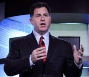 <p>Michael Dell, directeur général du fabricant de micro-ordinateurs, a annoncé que Dell supprimerait plus d'emplois que les 8.800 annoncés en mai 2007 dans le cadre d'un plan visant à réduire les dépenses d'au moins trois milliards de dollars par an d'ici 2011. /Photo prise le 3 avril 2008/REUTERS/Bob Pearson</p>