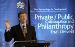 """<p>Selon Bill Gates, Microsoft prévoit de lancer la prochaine version de son système d'exploitation Windows, Windows 7, """"dans le courant de l'année prochaine à peu près"""". /Photo prise le 4 avril 2008/REUTERS/Robert Sullivan</p>"""