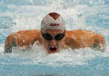 <p>L'australiano Nick D'Arcy nella semifinale dei 200m farfalla durante le selezioni della nazionale australiana per i Giochi di Pechino 2008. REUTERS/Daniel Munoz/Files</p>