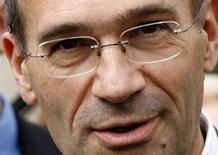 <p>Le ministre du Budget, Eric Woerth, déclare que la France compte ouvrir en 2009 son marché des jeux en ligne mais dans des conditions maîtrisées. Eric Woerth a souligné que les jeux en France rapportaient 5,2 milliards d'euros à l'Etat. /Photo d'archives/REUTERS/Jacky Naegelen</p>