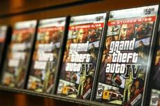 "<p>Les ventes de consoles et de jeux vidéo aux Etats-Unis ont augmenté de 37% en mai par rapport à l'année précédente, soutenues par le succès du titre ""Grand Theft Auto 4"" de Take-Two Interactive Software, selon une étude du cabinet NPD. /Photo prise le 28 avril 2008/REUTERS/Lucas Jackson</p>"
